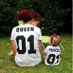 T-shirt Queen femme adulte et tshirt enfant assorti Princess Personnalisable